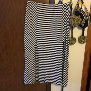 Striped maxi with slits